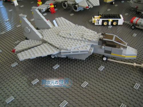 趣闻┊叹为观止的精彩!!用乐高(LEGO)积木搭出来的逼真巨型航母~!(附巨量清晰照片)