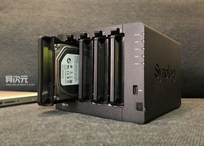 Synology DS412+ 群晖NAS